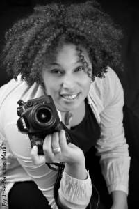 Fotógrafa para esfuerzos de comunicación visual en Responsabilidad Social Corporativa y emprendedores en marcha